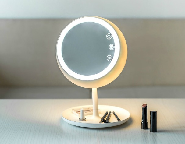 Tech Stars: Juno Makeup Mirror