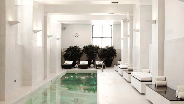 waldorf-astoria-chicago-pool
