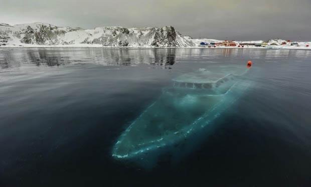 yacht-antartica