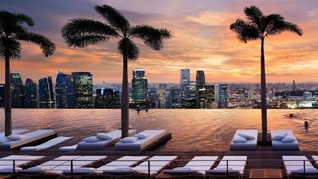 marina-bay-sands-singapore-rooftop-pool