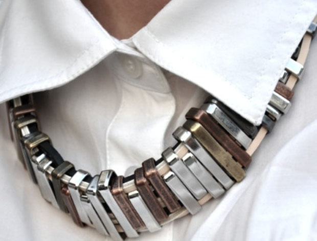 metal-collar-chunky-necklace