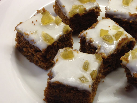 Busy Girl Bakes: Spiced Treacle Tray bake