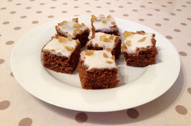 spiced-treacle-traybake