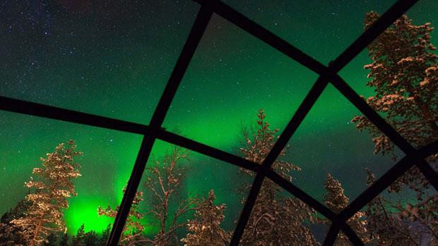 igloo-northern-lights