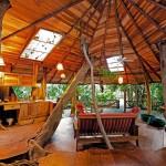 treehouse-lodge-livingarea