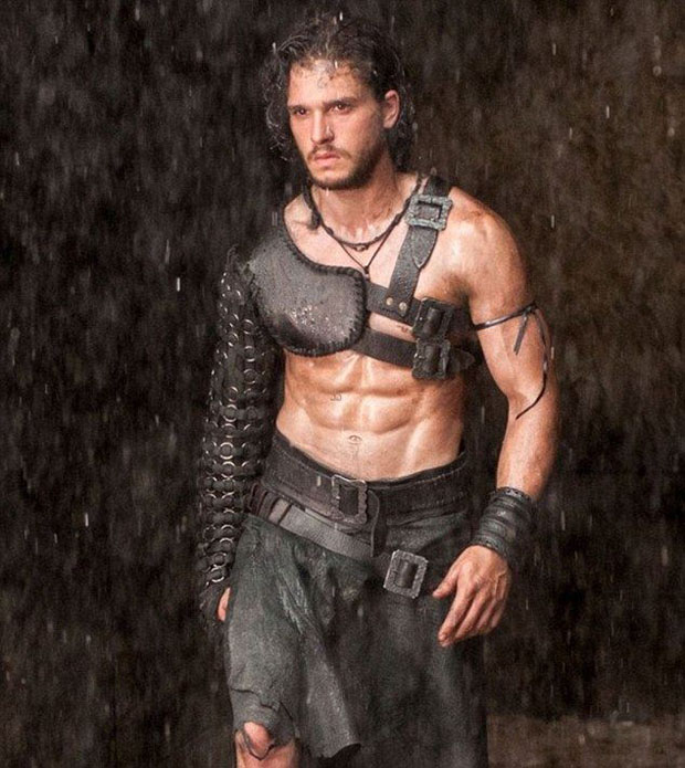 kit-harrington-topless-pompeii