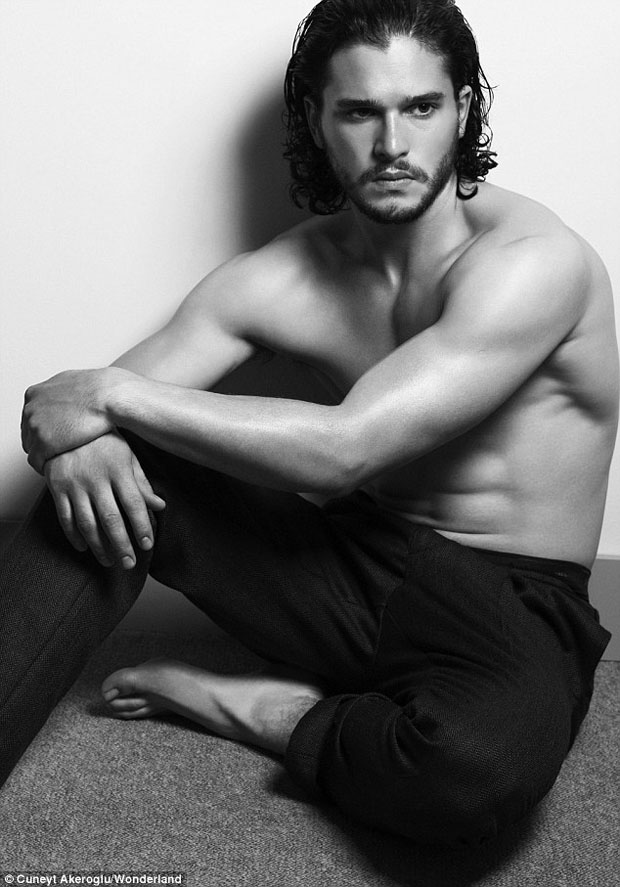 kit-harrington-topless