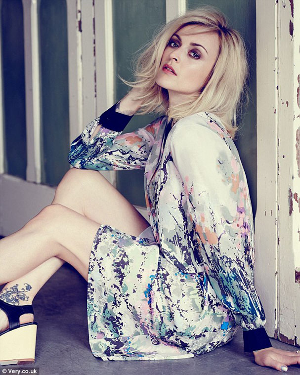 FEARNE-VERY-AW14