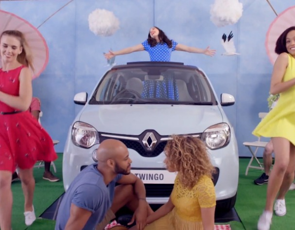 Sponsored Video: Renault #TwingoFlamingo