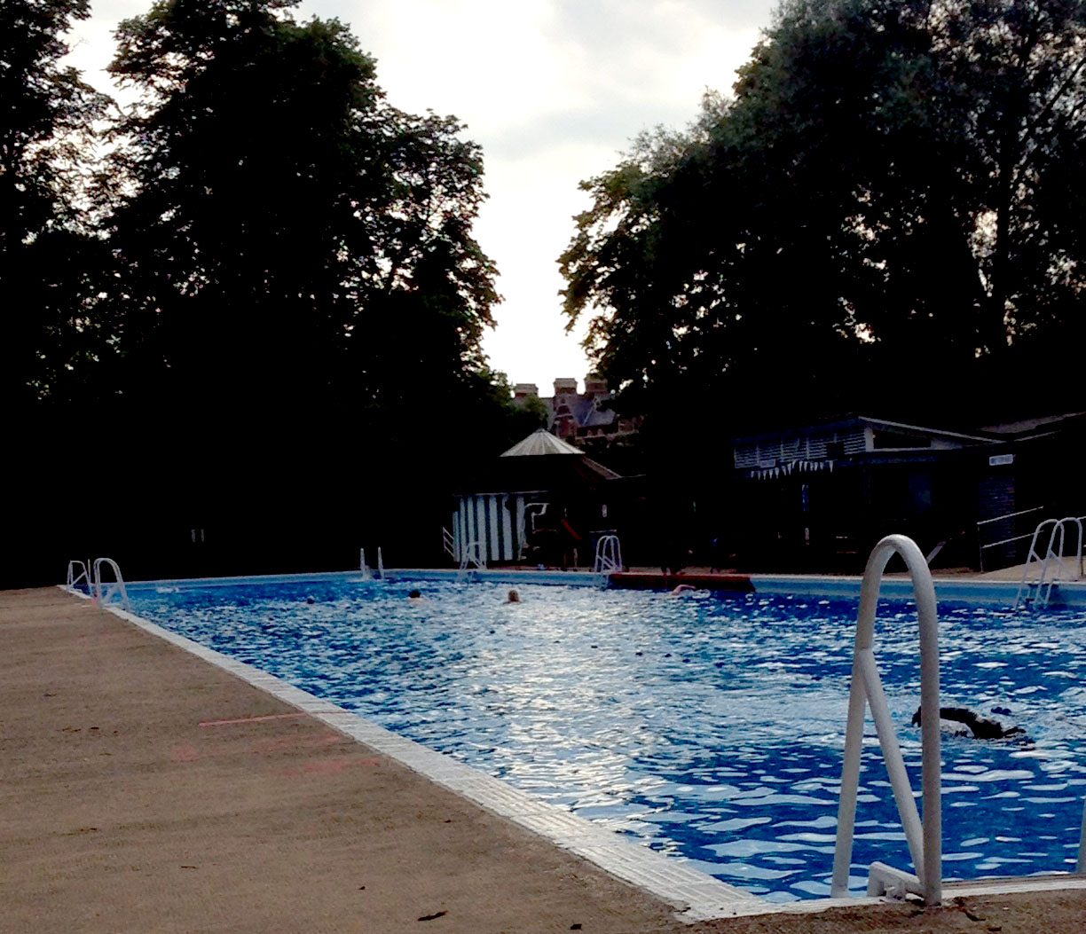 Making a splash top uk outdoor pools for Jesus green swimming pool cambridge
