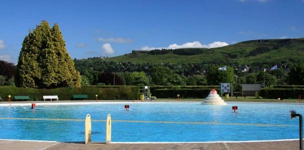 best-uk-outdoor-swimming-pools