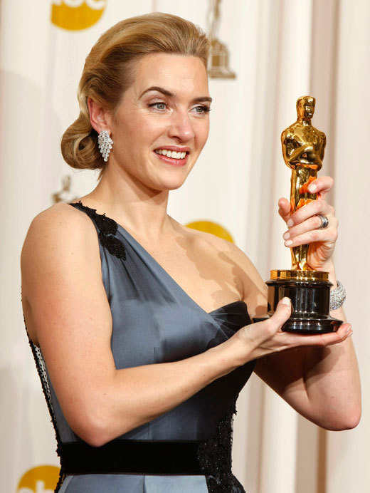 kate-oscars-reader