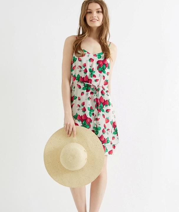 oasis-strawberry-tennis-fashion
