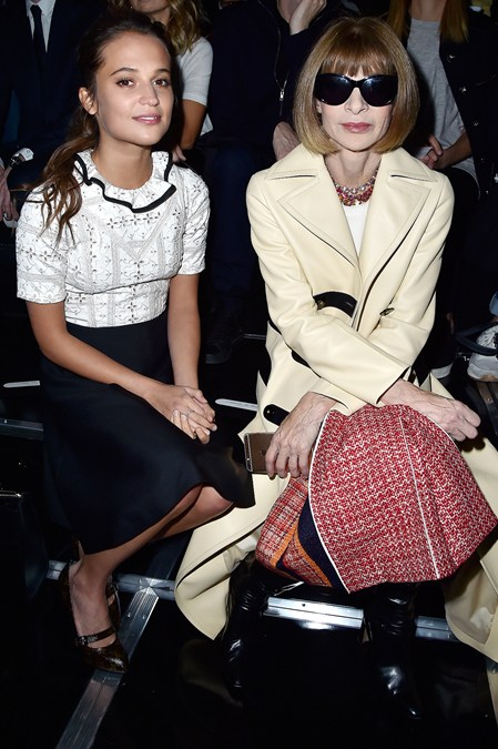 Alicia-Vikander-and-Anna-Wintour-_glamour_07oct15-getty-b_449x675