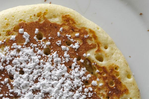 Icing sugar pancakes