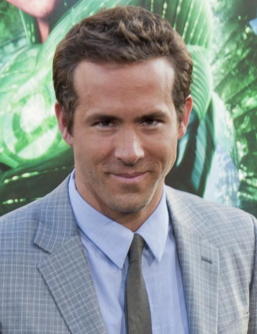 Drop Deadpool Gorgeous: Ryan Reynolds - Average Janes Blog