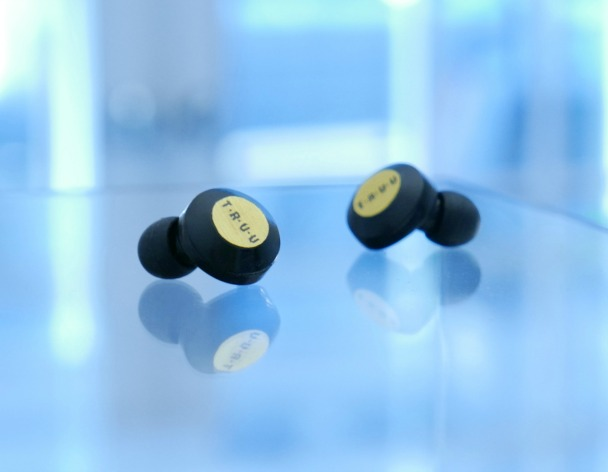 Tech Stars: TRUU wirelessly charged earbuds