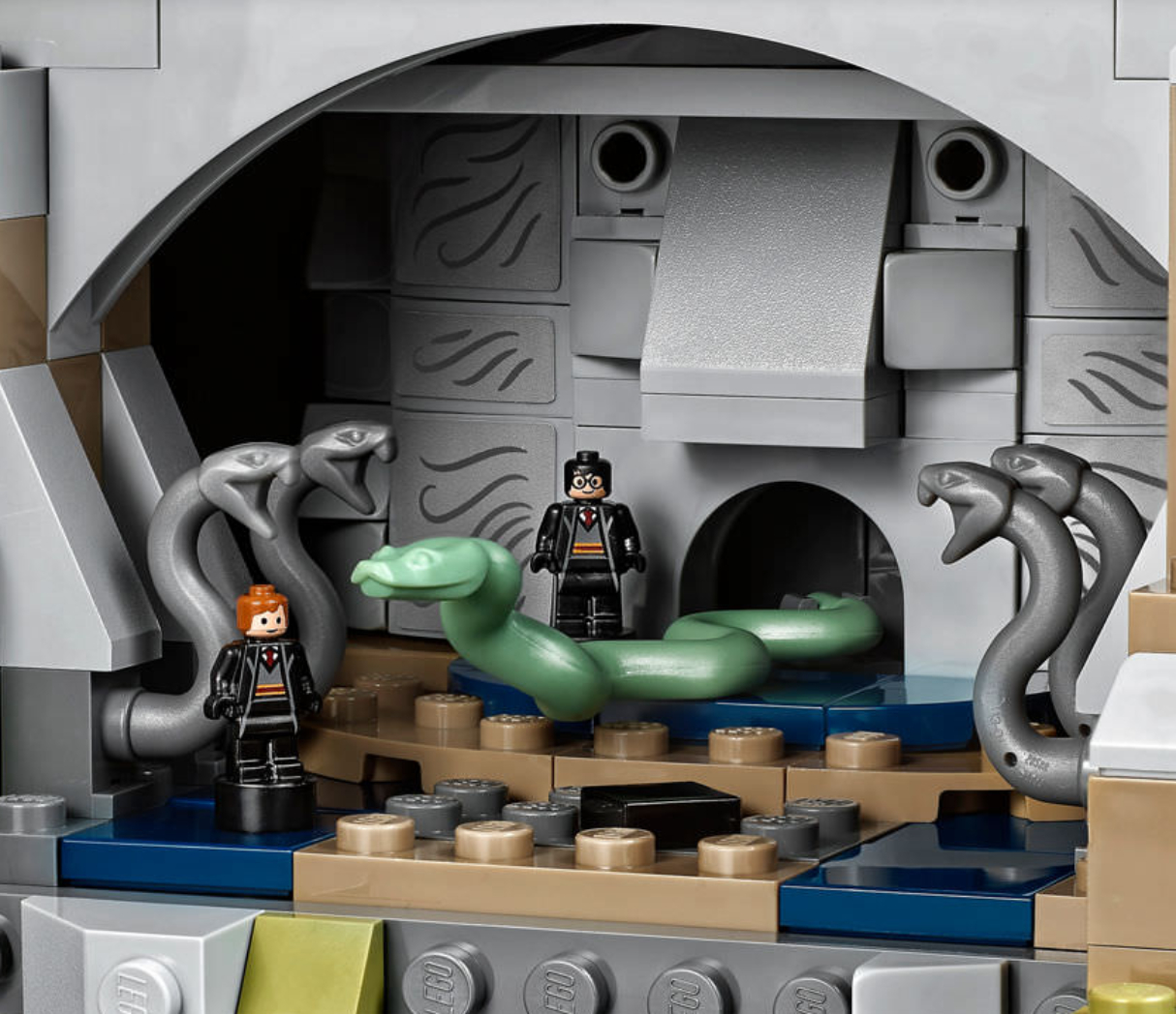 lego-harry-potter-hogwarts-castle-4